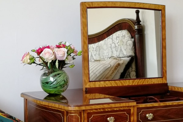 The Traditional Dressing Table - A Timeline