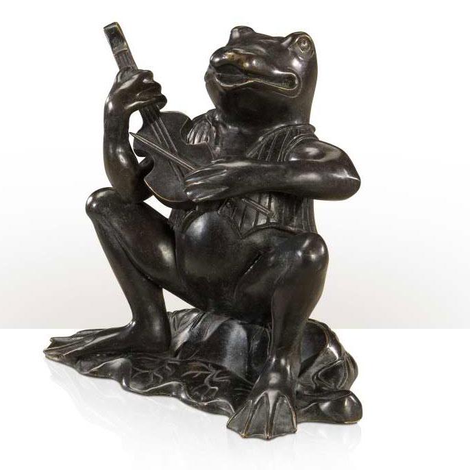 Bronze frog musician