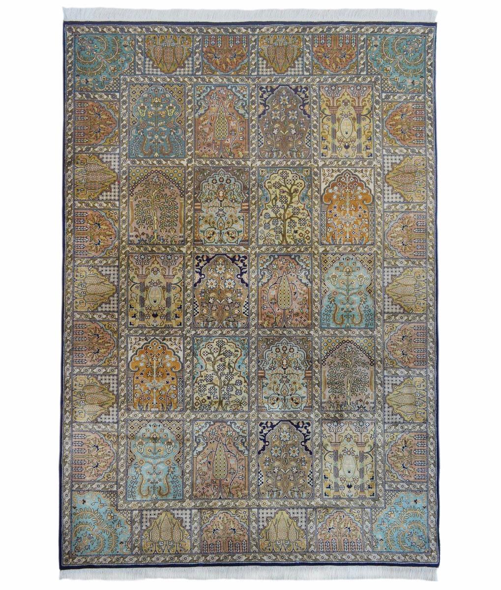 Hand woven silk pile carpet - 124 x 186cm