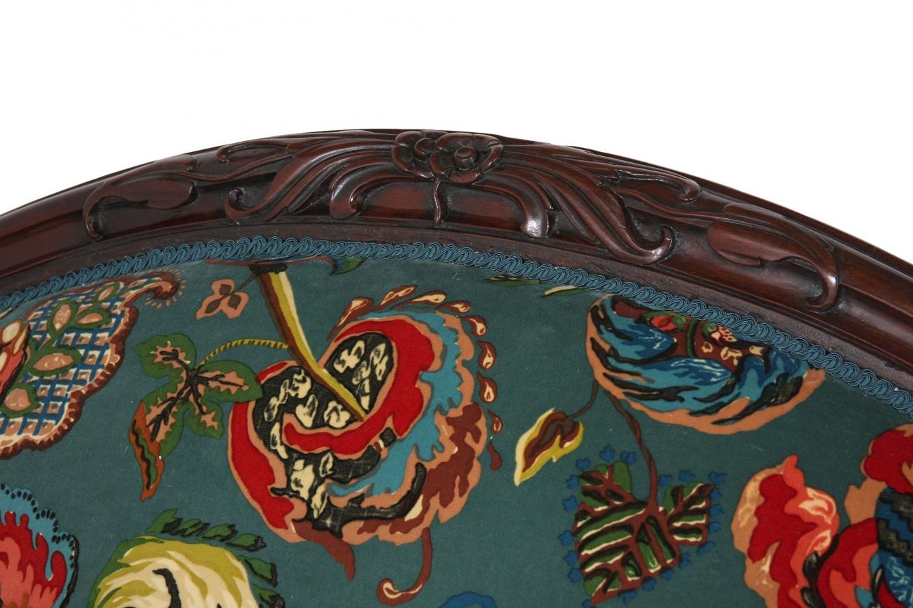 Victorian sofa in Poppinjay velvet