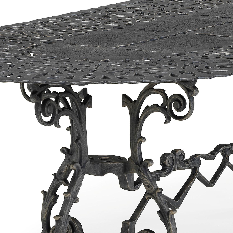 Brownian metal outdoor dining set