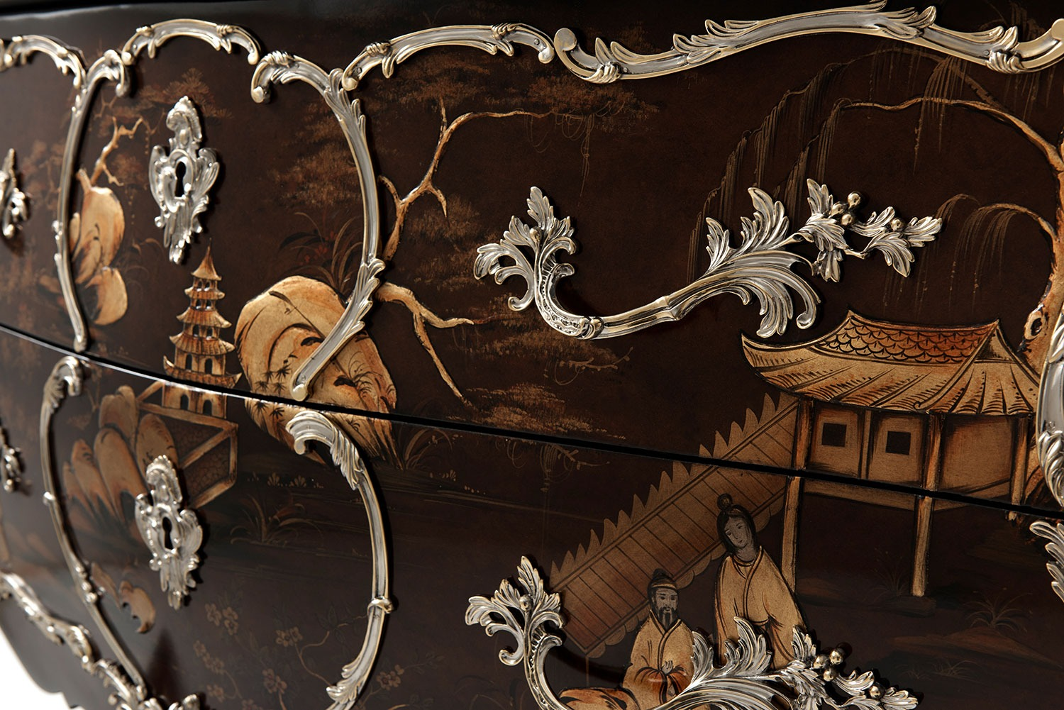 Louis XV serpentine Chinoiserie commode