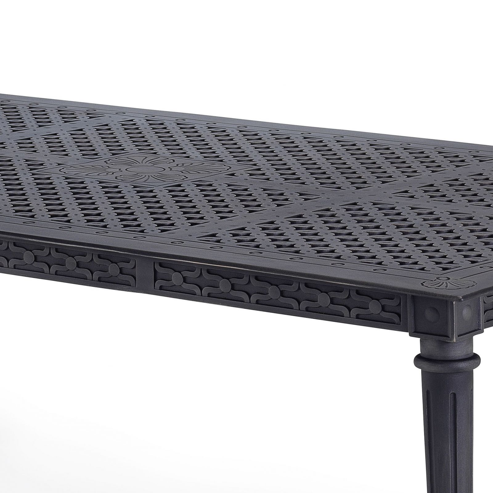 Grande outdoor dining table