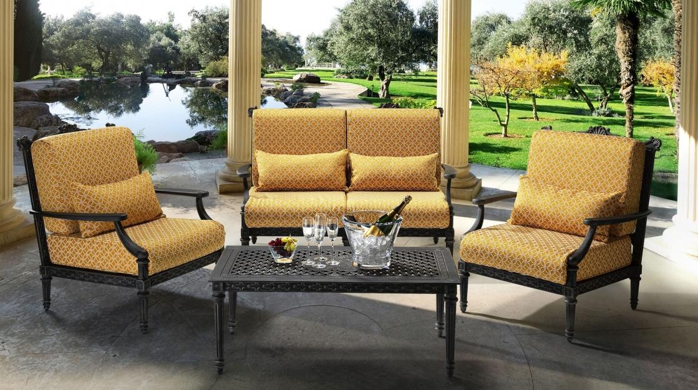 Grande outdoor sofa
