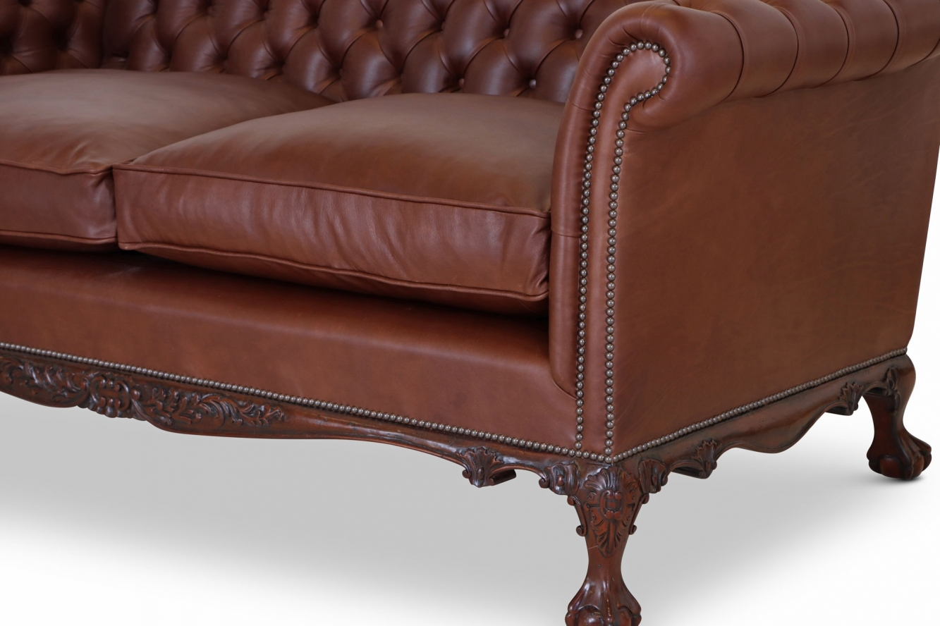 Dryden traditional buttoned sofa